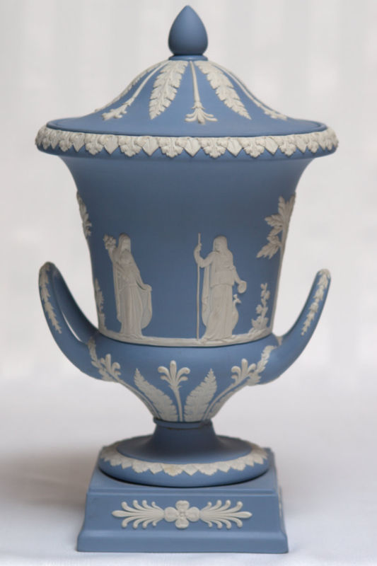 Pair Wedgwood Wedgwood Blue Campagna Urns For Sale Antiques Com Classifieds