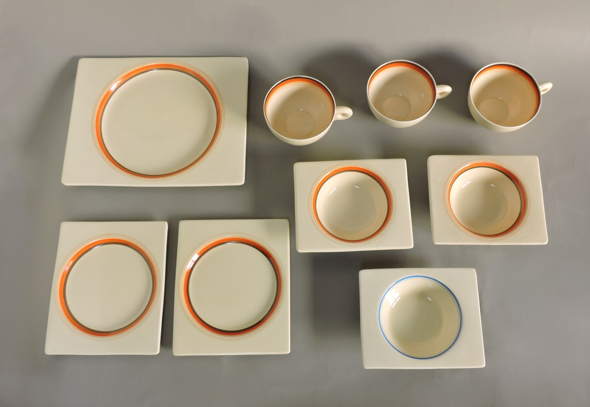 Beautiful and unique Art Deco Biarritz partial dinnerware set designed by Clarice Cliff and made in England in the 1930s by Royal Staffordshire. & Clarice Cliff Art Deco Biarritz partial dinnerware set of plates ...