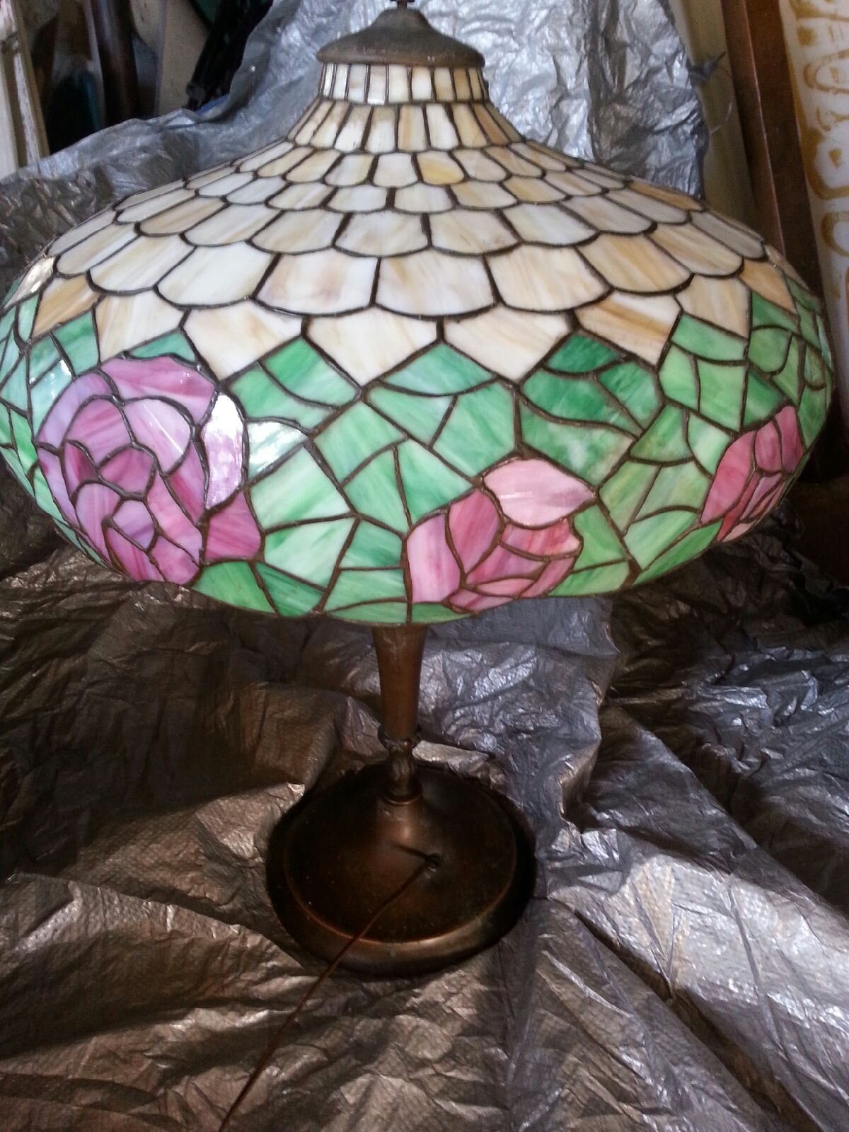 1920 39 s leaded glass lamp for sale classifieds. Black Bedroom Furniture Sets. Home Design Ideas