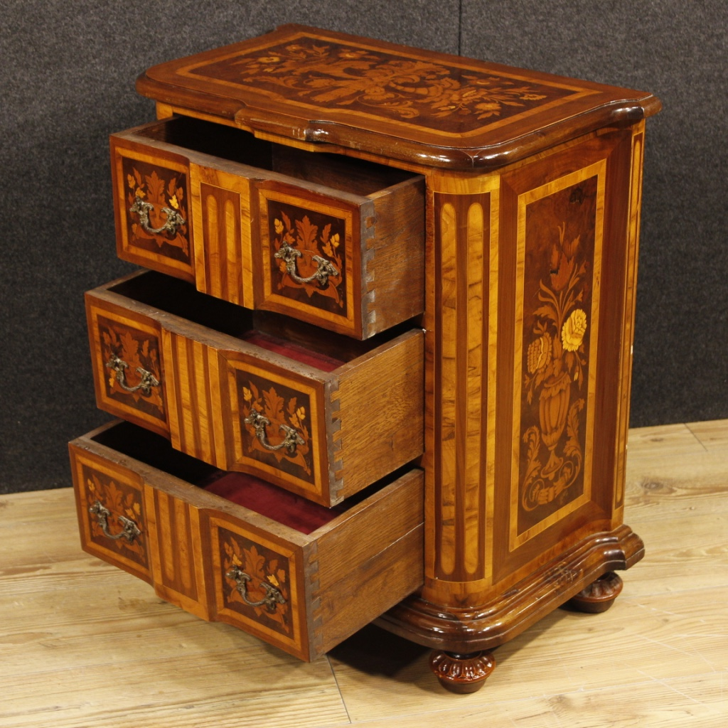 Pair Of Italian Bedside Tables From The 20th Century Nicely Decorated Wooden Furniture With Fl Inlay In Walnut Burl Rosewood