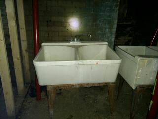 Porcelain laundry tubs for sale classifieds for Porcelain bathtubs for sale