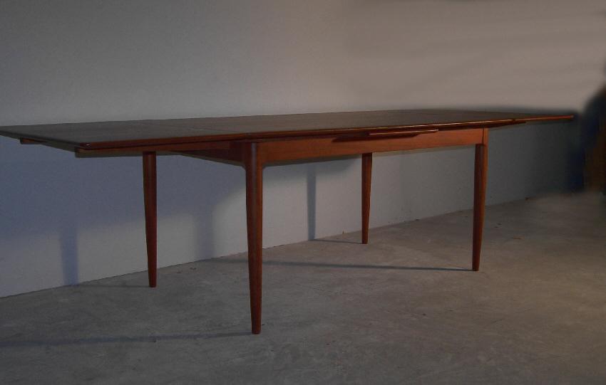 Moreddi Danish Modern Teak Dining Table With Leaves C For - Danish modern dining table with leaves