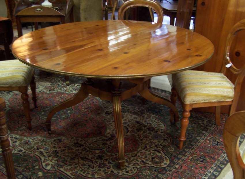 Charming 8191 Baker Dining Room Table With Two Leaves   For Sale
