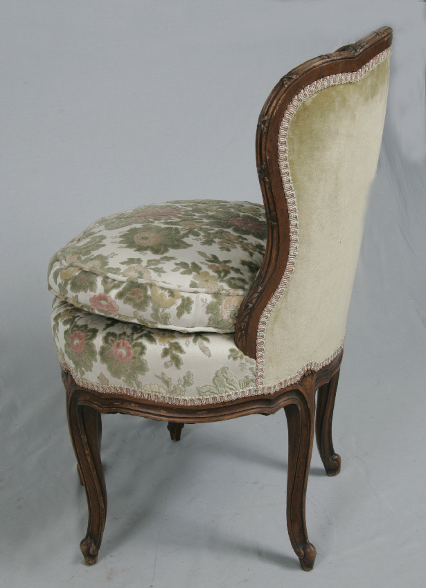 8058 18th c french upholstered boudoir chair for sale classifieds. Black Bedroom Furniture Sets. Home Design Ideas