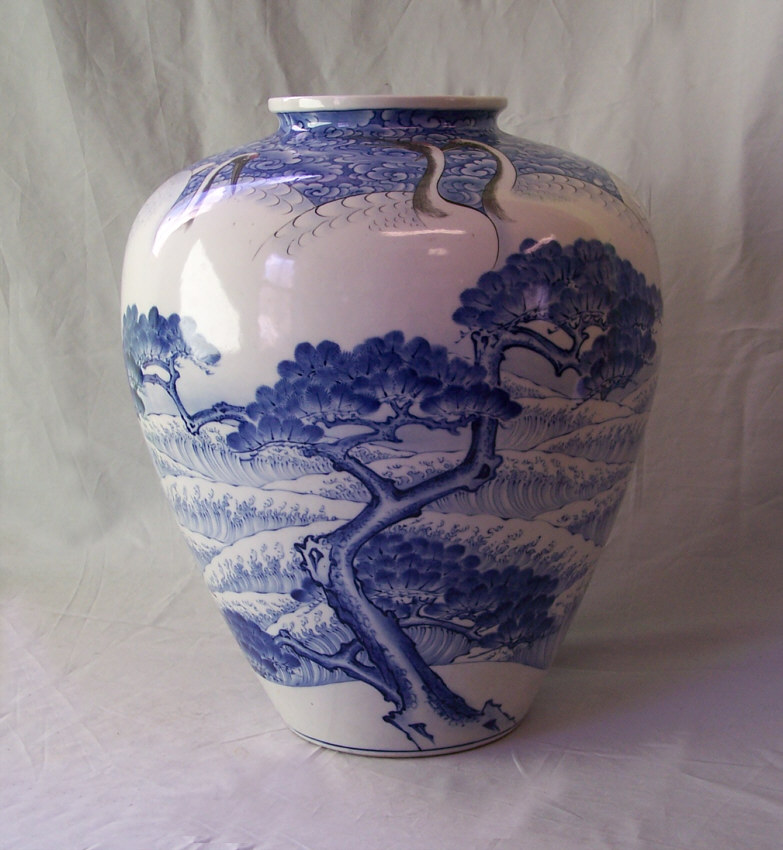 8368 Japanese Blue And White Porcelain Vase With 9 Cranes For Sale