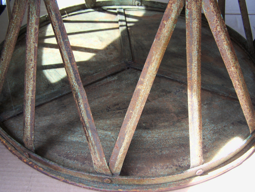9252 Vintage Round Metal Patio Table With Weathered