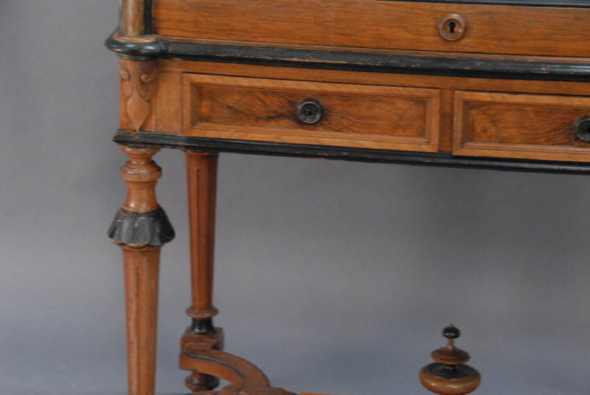 This rare Victorian walnut cylinder desk c1885 belonged to Connecticut  Governor Henry Roberts B 1853 D 1929. Roberts became alderman of Hartford,  ... - 7716 Victorian Walnut Cylinder Desk C1880 CT Governor Henry Roberts