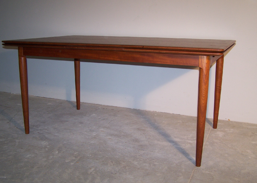 8031 Moreddi Danish Modern teak dining table with leaves  : ori1127147364050011297248031danishmoderndiningtable6 from www.antiques.com size 850 x 606 jpeg 156kB