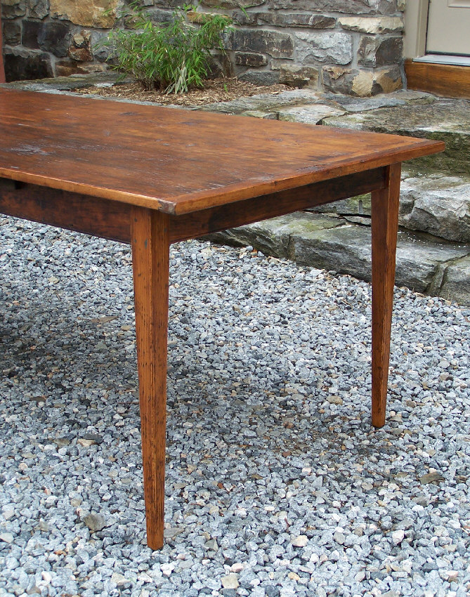 7784 Handmade New England pine country kitchen table For Sale