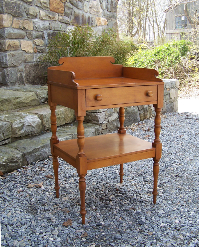 Vintage Conant Ball Colonial Reproduction Sheraton Style Solid Maple Stand  With Dovetails.The Conant Ball Furniture Company Was Founded In The Late  1800s In ...