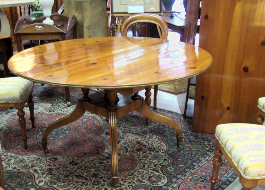 8191 Baker Dining room table with two leaves For Sale | Antiques ...