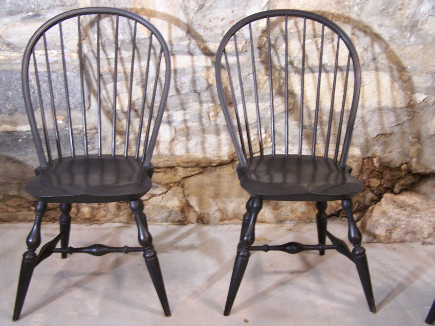 vintage set of six early american country windsor chairs in black made by the warren chair company c1981 the warren chair company has made exact