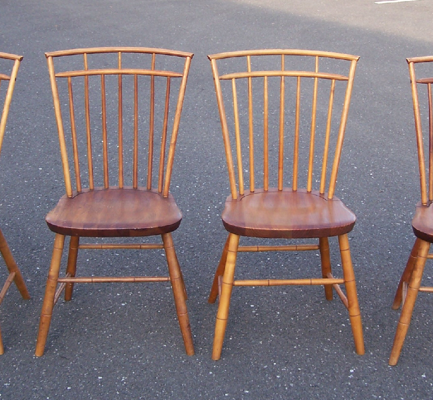 Vintage set of four Hagerty Cohasset Colonials birdcage Windsor chairs in  maple. The label reads