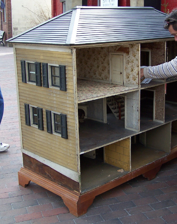 7762 Large Architects Model Or Childs Doll House C1900 For Sale
