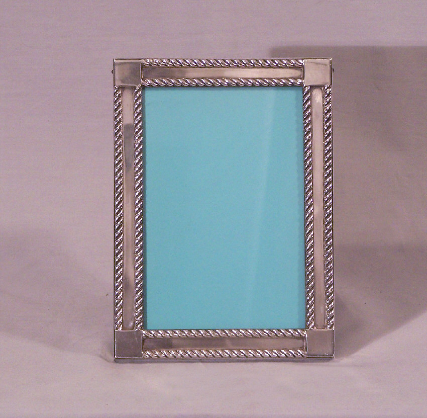 7980 Vintage Tiffany And Co Makers Sterling Silver Picture Frame For