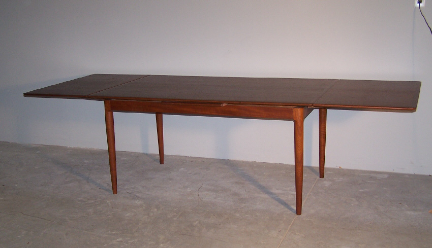 8031 Moreddi Danish Modern teak dining table with leaves  : ori112771914419711297248031danishmoderndiningtable1 from www.antiques.com size 850 x 489 jpeg 121kB