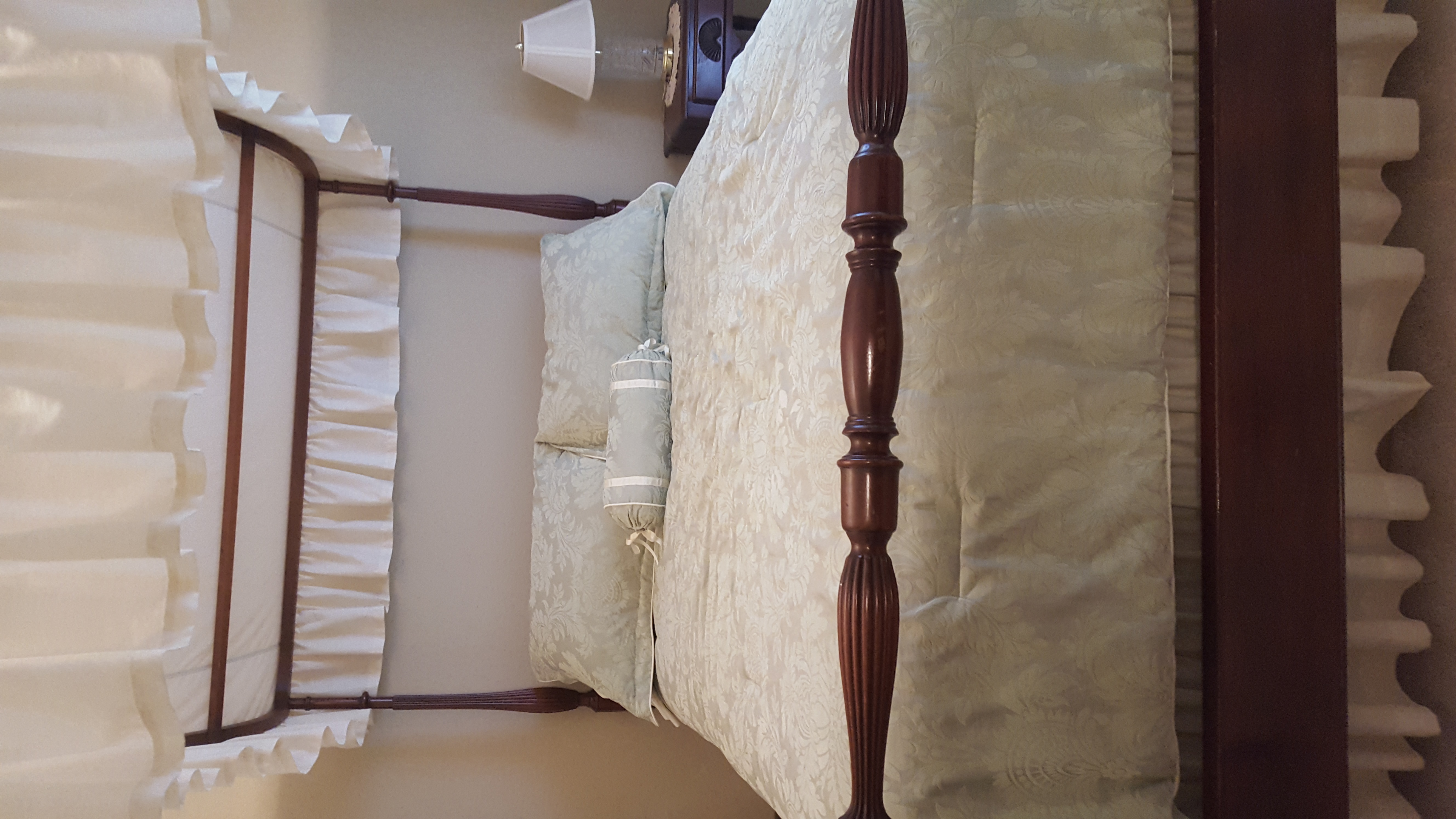 antique mahogany full bed with canopy for sale classifieds. Black Bedroom Furniture Sets. Home Design Ideas