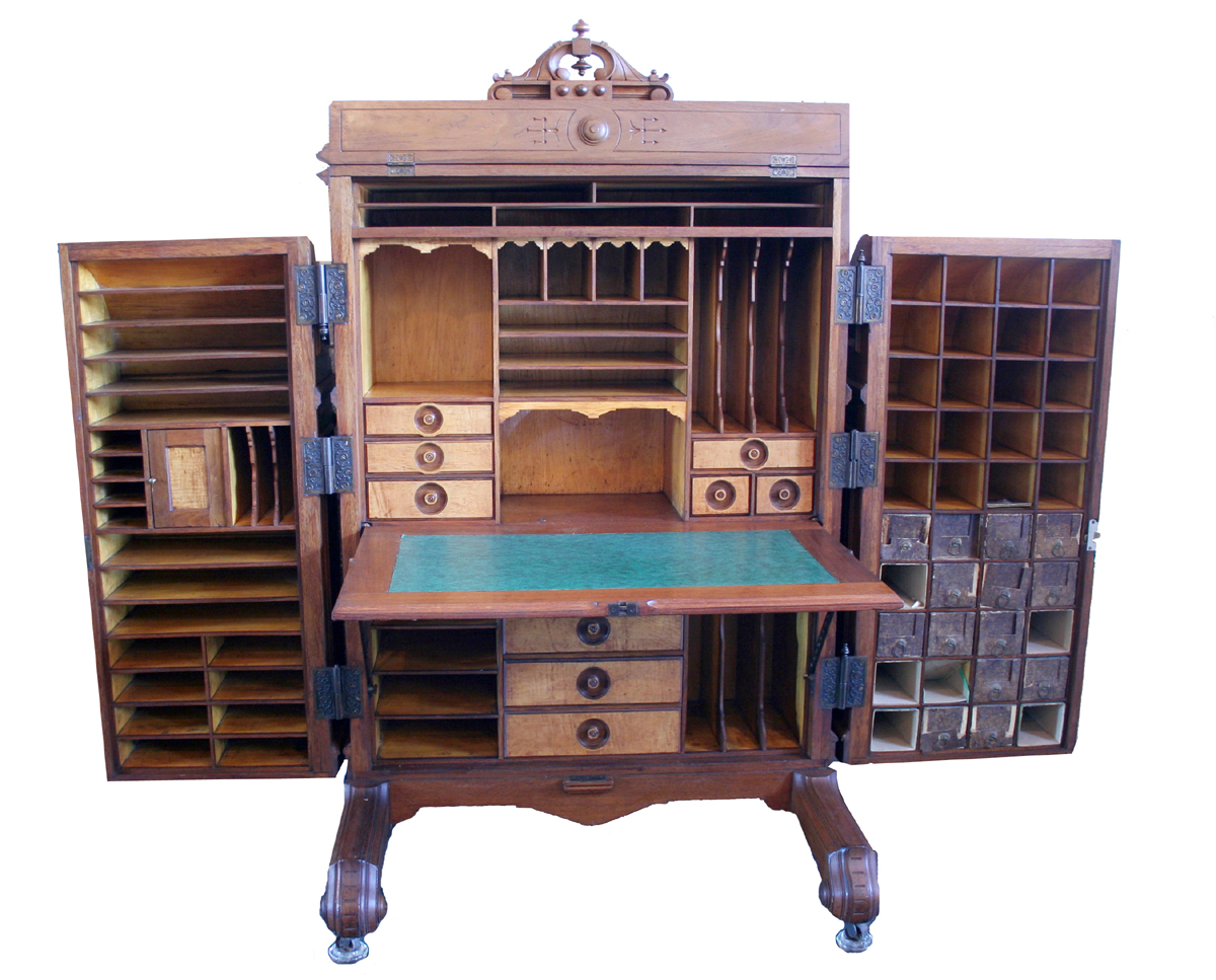 Wooten Desk For Sale http://www.antiques.com/classified_items.php?SeArChItEmS=&startrage=&endrange=&catid=134&GoPageNo=61