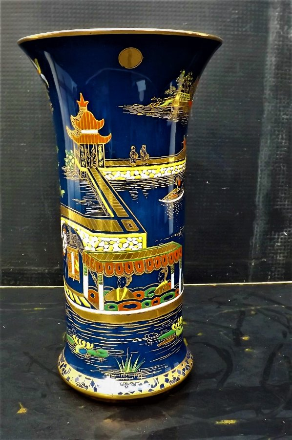 Carlton Ware Vase Superb Handpainted With Chinese Scenes For Sale