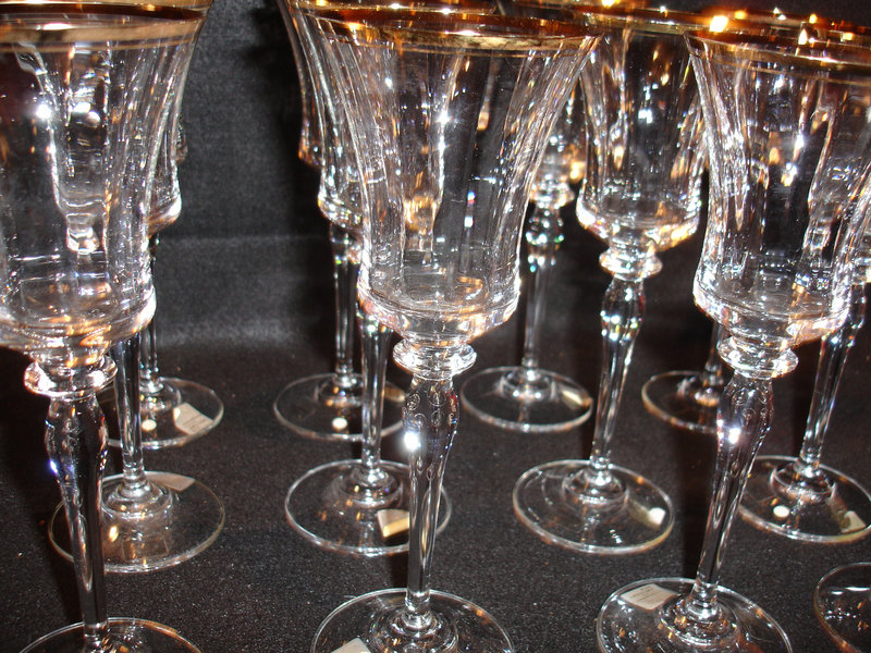 12 Mikasa Jamestown Gold Wine Glasses Like New For Sale