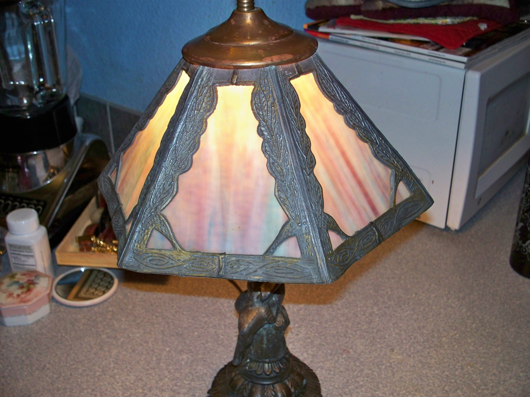 how to fix broken glass lamp shade