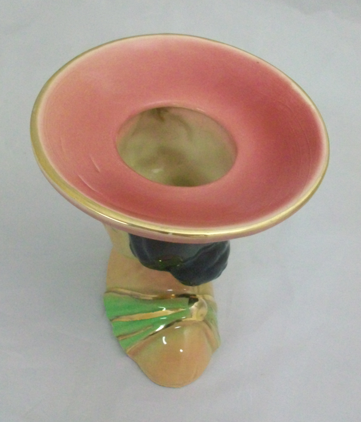 Shawnee polynesian lady head vase 896 for sale antiques shawnee polynesian head vase with gold accents lady wears a pink hat a pink flower in her hair and a green dress mark on bottom reads shawnee usa reviewsmspy