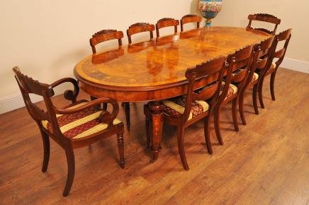 ENGLISH VICTORIAN MARQUETRY INLAY EXTENDING DINING TABLE DINERS   For Sale