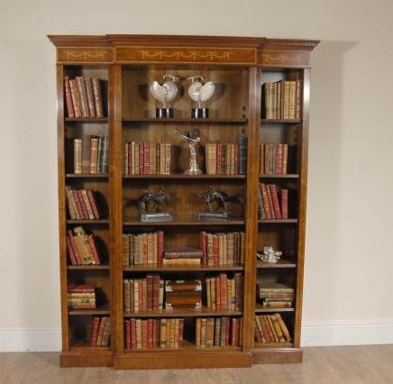 english walnut breakfront bookcase sheraton regency for. Black Bedroom Furniture Sets. Home Design Ideas