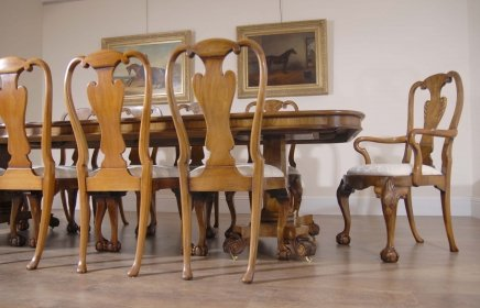 Description 10 Foot Walnut English Georgian Pedestal Dining Table Set Matching Queen Anne Chairs You Are Viewing A Gorgeous