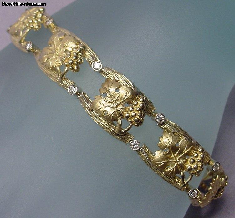 Beautiful Art Deco 18k Gold and Diamonds Bracelet 39 4g For Sale