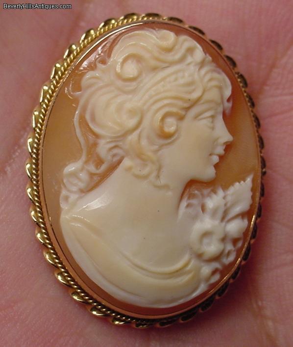Beautiful Antique 14k Cameo Brooch/Pendant For Sale