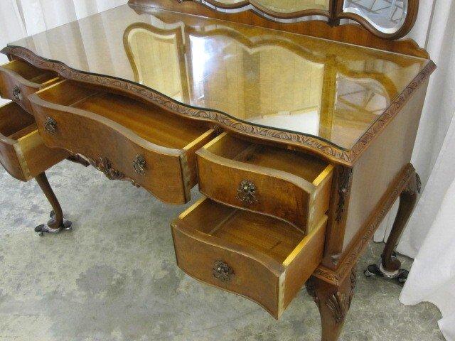 1900s England Walnut Tri Mirror Vanity Desk Inlay Burl For