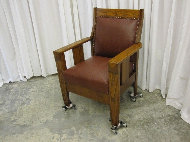 Antique Mission Arts & Crafts Oak Upholstered Chair - For Sale - Antique Mission Arts & Crafts Oak Upholstered Chair For Sale
