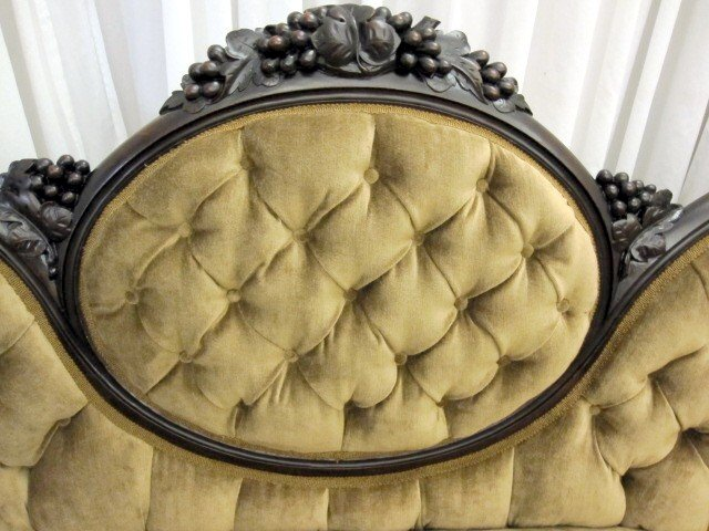 Good Antique Victorian Style Medallion Button Tuck Sofa Couch   For Sale
