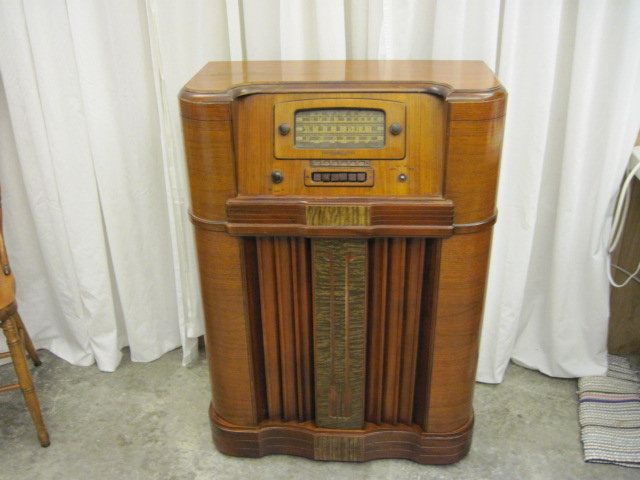 Antique 1941 General Electric L 916 Console Tube Cam Radio on tube radio restoration