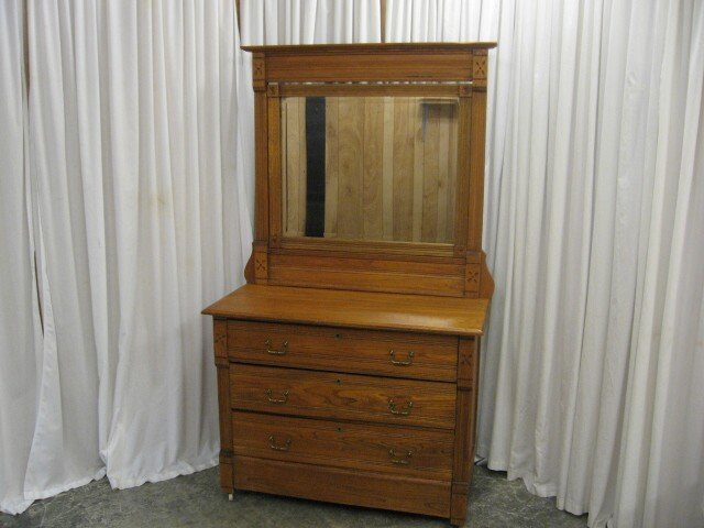 We Have For A Great Looking Antique Oak Dresser The Is In Very Good Condition Drawers Are All Dove Tail Joint