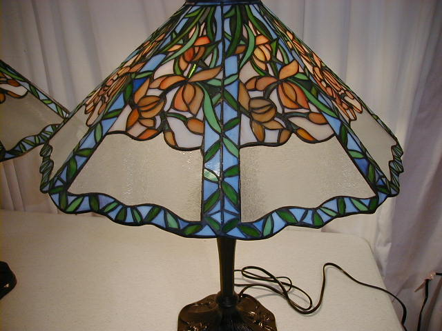 pair of stained glass lamps green leaves orange for sale antiques. Black Bedroom Furniture Sets. Home Design Ideas