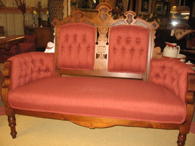 Nice antique victorian parlor sofa settee button tuft for Nice sofas for sale