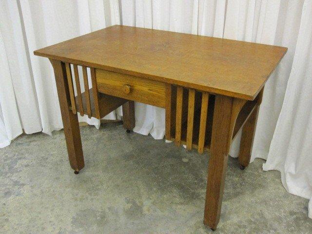 Antique Oak Library Table Desk Mission Arts & Crafts - For Sale - Antique Oak Library Table Desk Mission Arts & Crafts For Sale