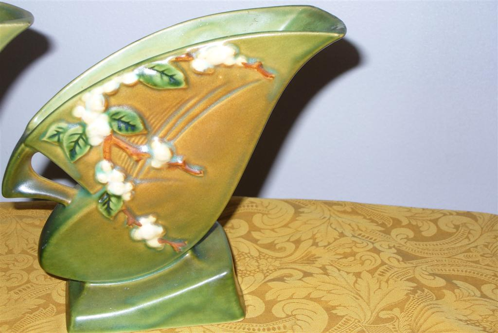 Two Roseville Snowberry Fan Vase 1fh 7 Green Gold White For Sale