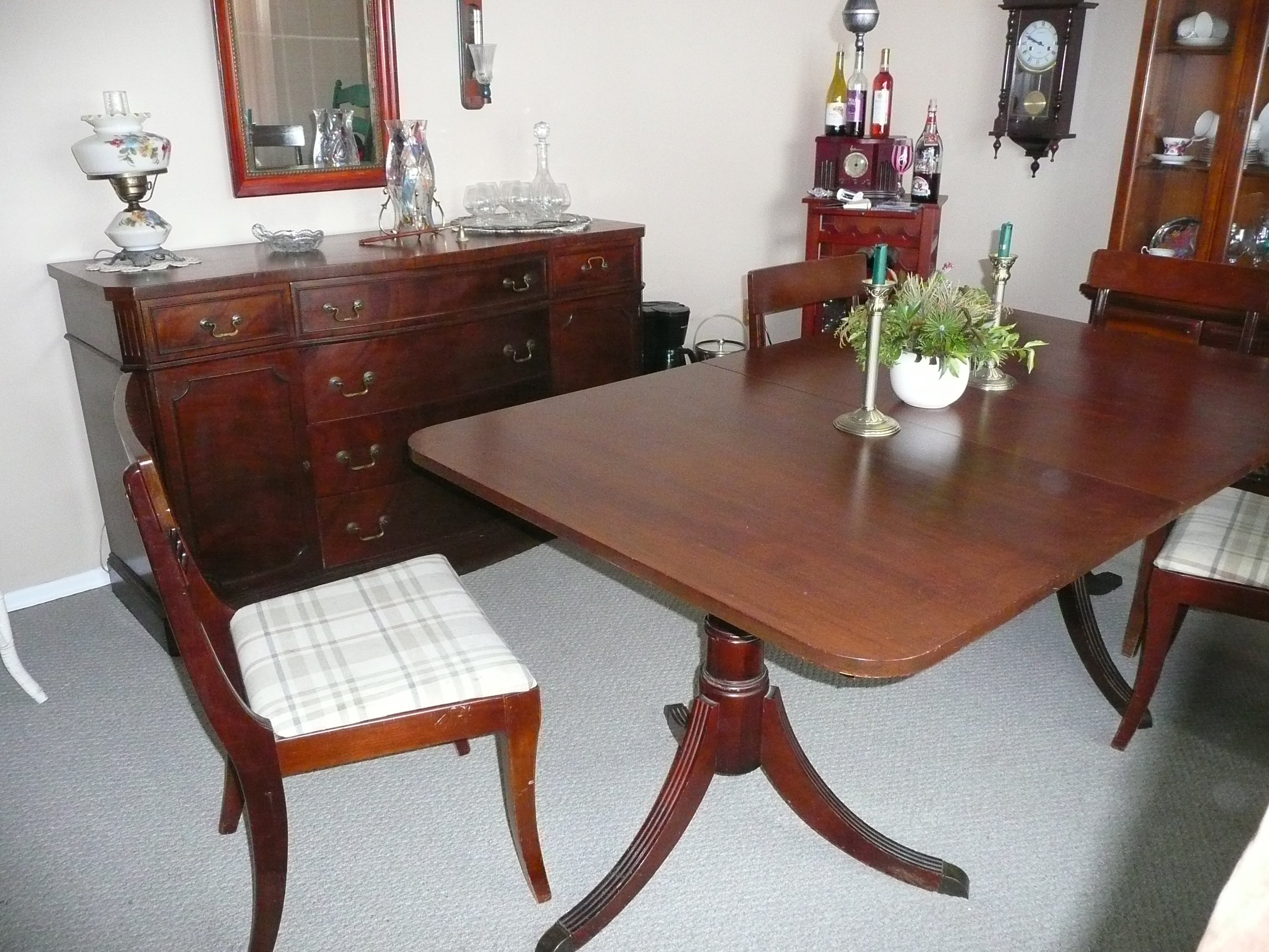 Paramount Furniture Mahogany Dining Table and side board  : ori16351142280881094265P1070429 from www.antiques.com size 3072 x 2304 jpeg 2828kB