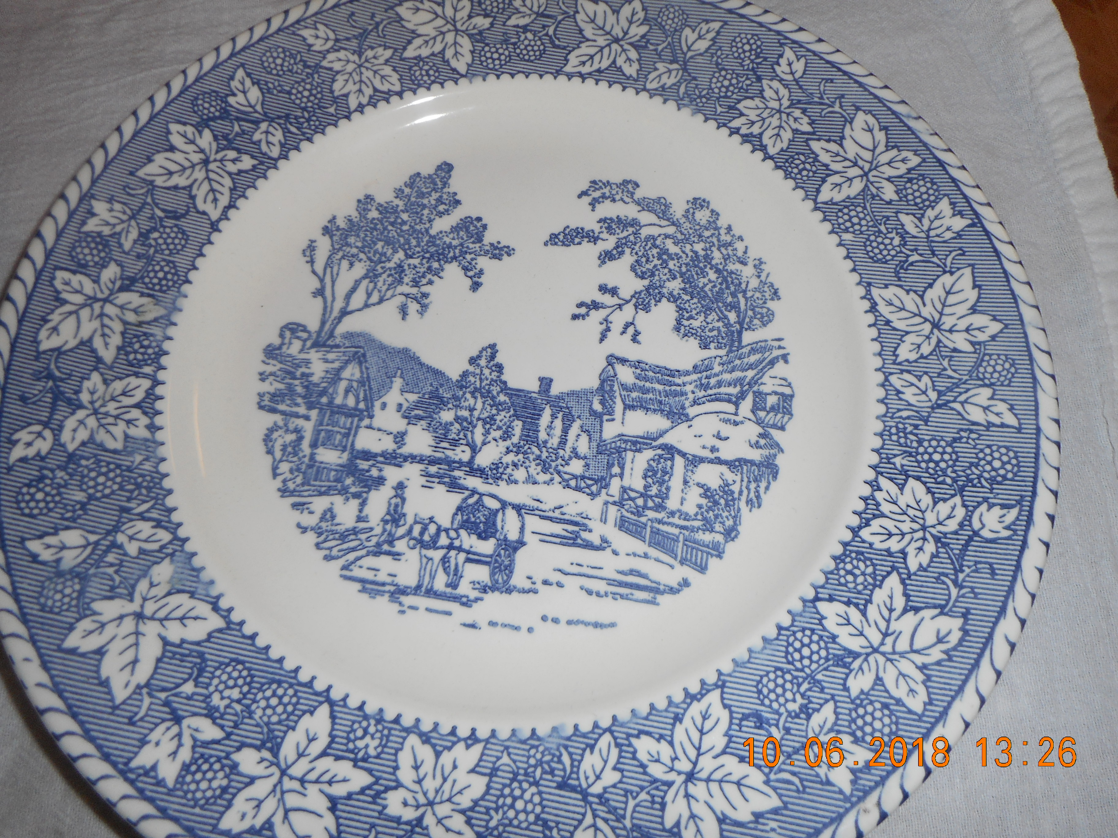 Homer Lauphlin home decor Startwood  Collection decorative plate VINTAGE shakespeare  Country  dinner plate