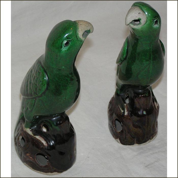 Explain more vintage porcelain parrots