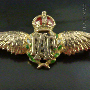 RAF Gold and Enamel Wings, Sweetheart Brooch  (C16574) For