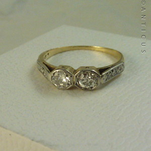 18ct gold and platinum ring 10740 for sale