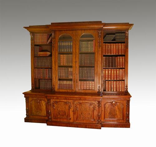 Antiques » Antique Furniture