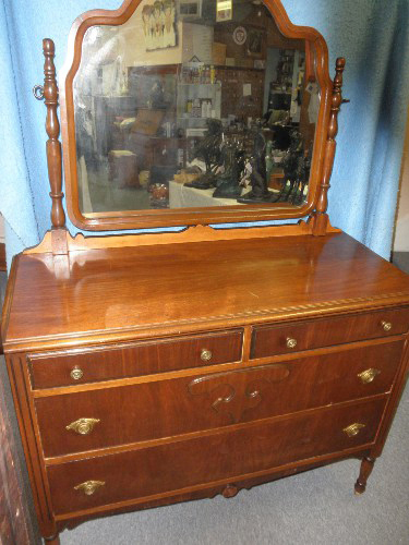 Antique Dresser This With Mirror Is All Original And In Good Condition It Has Fancy Turned Front Legs Back Straight