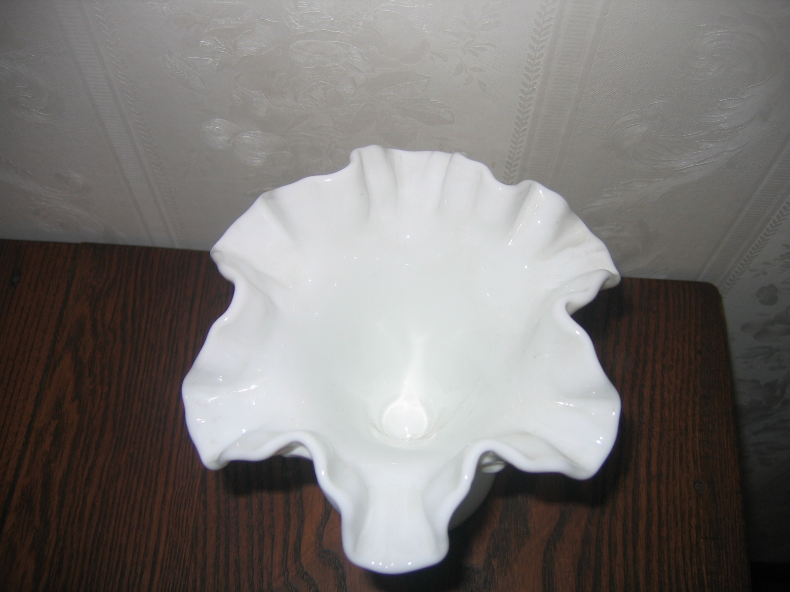Vintage Fenton Milk Glass Hobnail Vase Ruffle Edge Vase ... Vintage Ruffled Edge Glass Vases For Sale