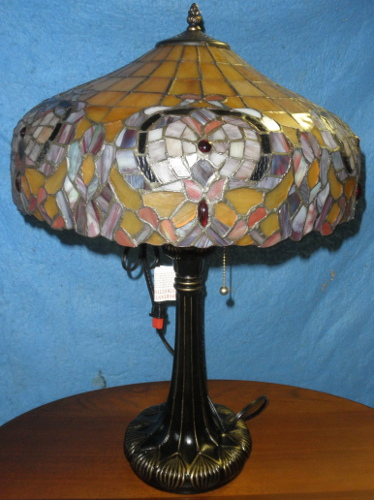 leaded lamp dd419b for sale classifieds. Black Bedroom Furniture Sets. Home Design Ideas