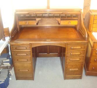 Solid, Golden Oak, Roll Top Desk 3041a   For Sale